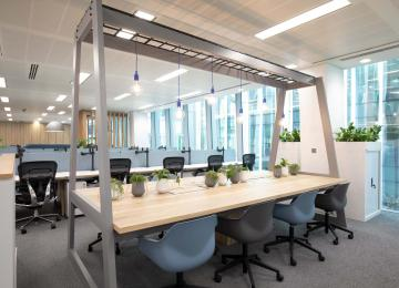 Nord Anglia Education Office 16 hot desking are hoCt3