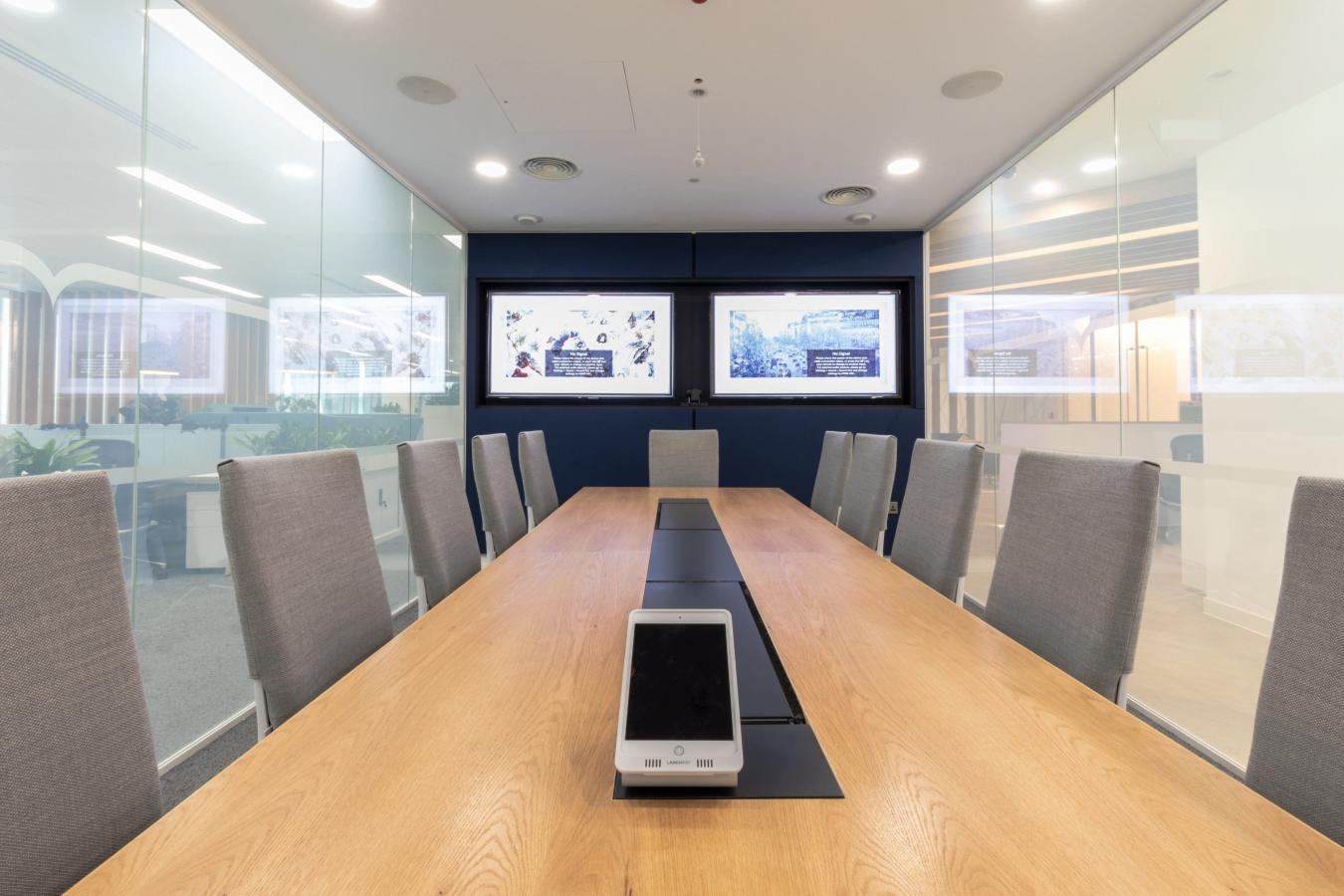 Nord Anglia Education Office 21 boardroom smar 5EB4Q